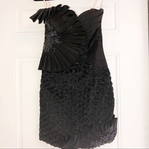 Tony Bowles Prom or pageant dress, strapless